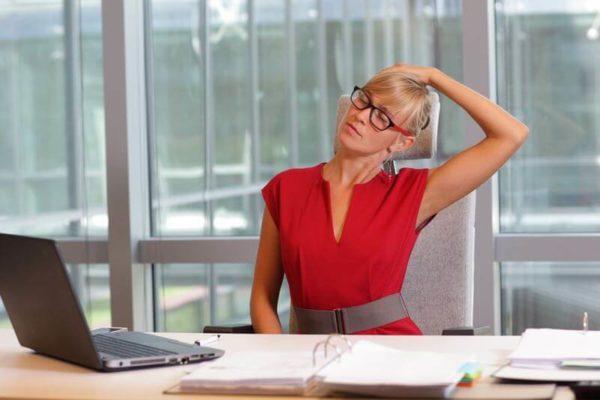 Conséquences de manque de sommeil, mauvaise posture et stress