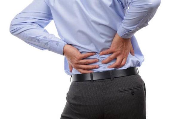 La Chiropraxie pour le mal de dos au lieu d'opération chirurgicale et opioides