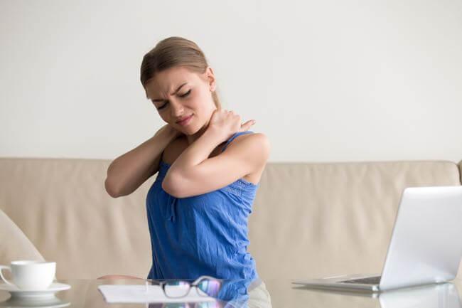 Soulager maux de tête et douleurs cervicales