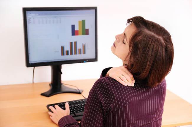 Traitement saillie cervicale et douleur par la chiropraxie
