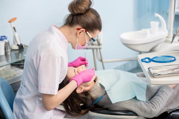 Les TMS (Troubles musculosquelettiques) chez les dentistes