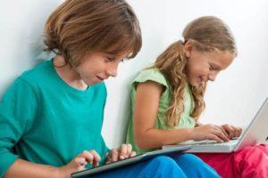 Text neck ou mauvaise posture chez enfants